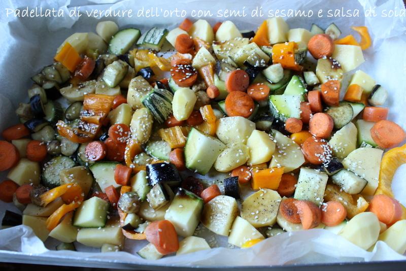 Padellata di verdure con sesamo e soia