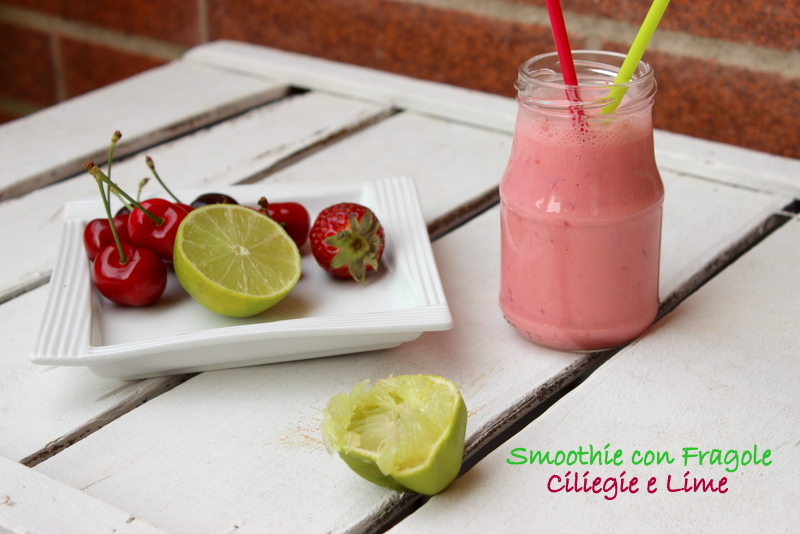 smoothie fragole ciliegie lime