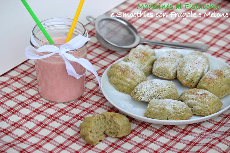 smoothie alle fragole e madeline al pistacchio