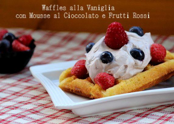 waffle alla vaniglia con mousse al cacao