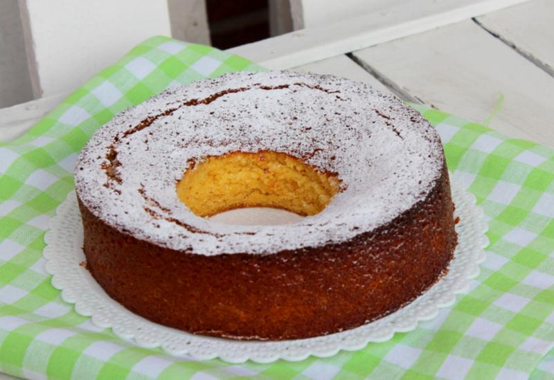 torta speziata all'arancio e farina di mais