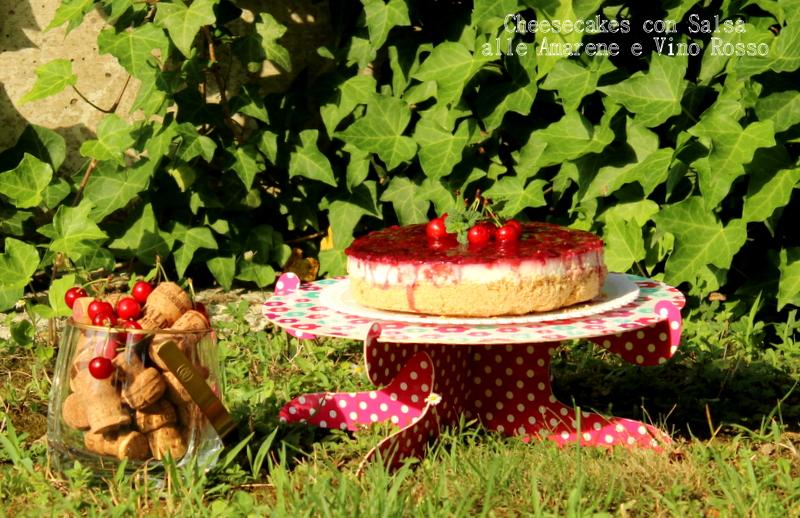 Cheesecakes con salsa alle amarene e vino rosso