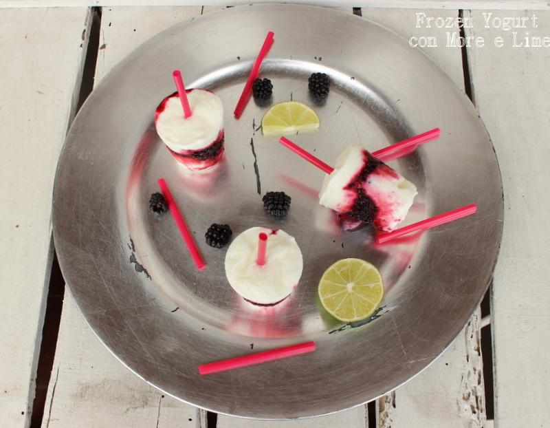 Frozen yogurt con more e lime