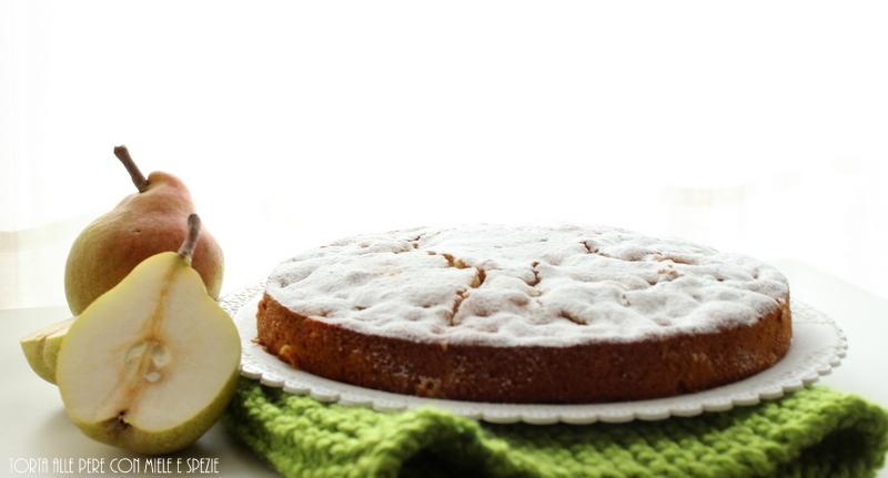 Torta alle pere con miele e spezie