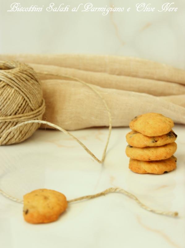 biscotti salati Parmigiano e olive