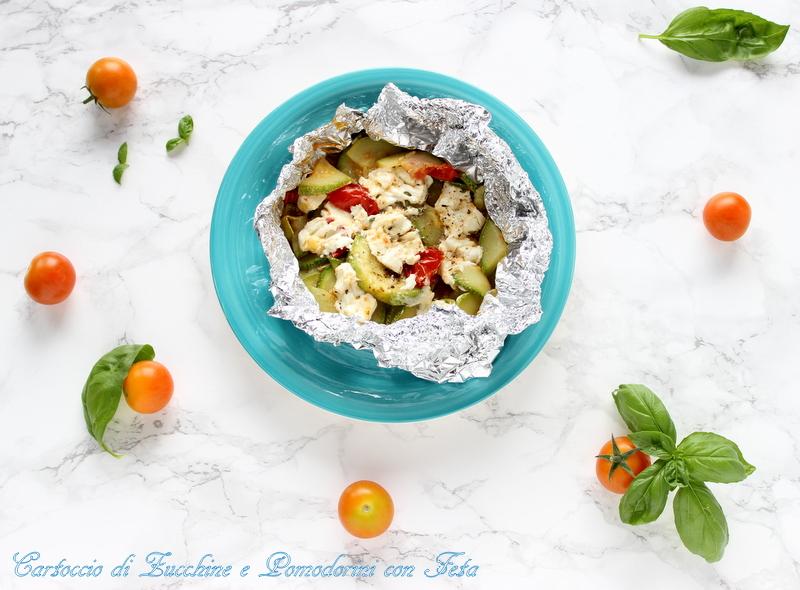 Cartoccio di zucchine e pomodorini al forno con feta