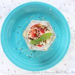 Insalata di quinoa,pesche bianche,feta e lupini