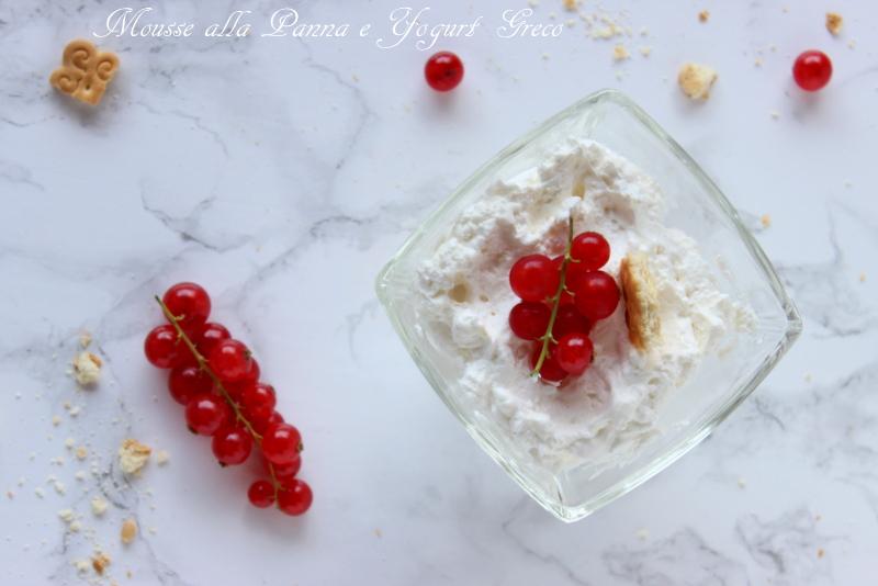 mousse alla panna e yogurt greco