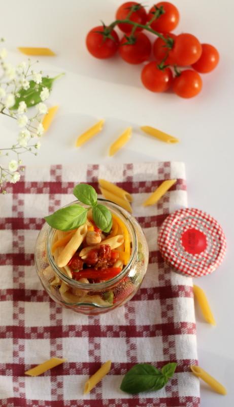 pasta fredda con legumi e verdure