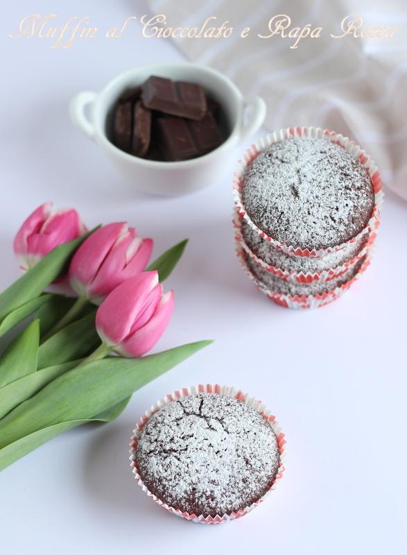 muffin al cioccolato e barbabietola rossa